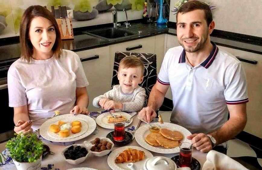 За 30 минут: Раиса Алибекова поделилась рецептом быстрого и сытного ужина