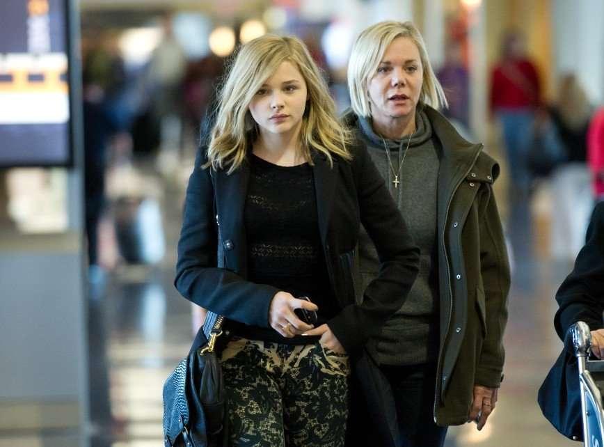 «Когда лучше дочери»: Хлою Морец сравнили с ее мамой