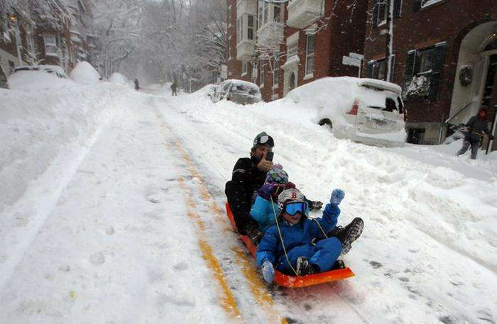 Сильные снегопады в США