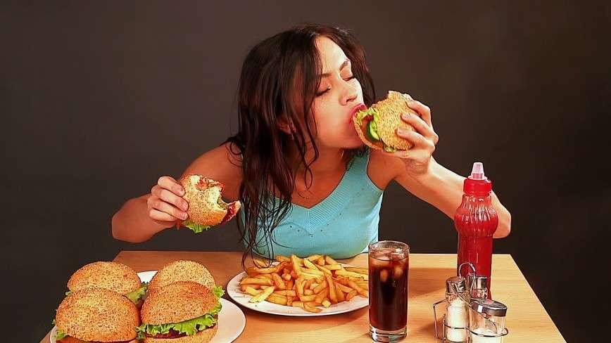 Отказаться от вредной еды невозможно физически