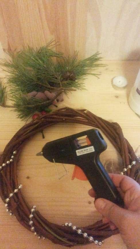 Делаем традиционный рождественский венок своими руками