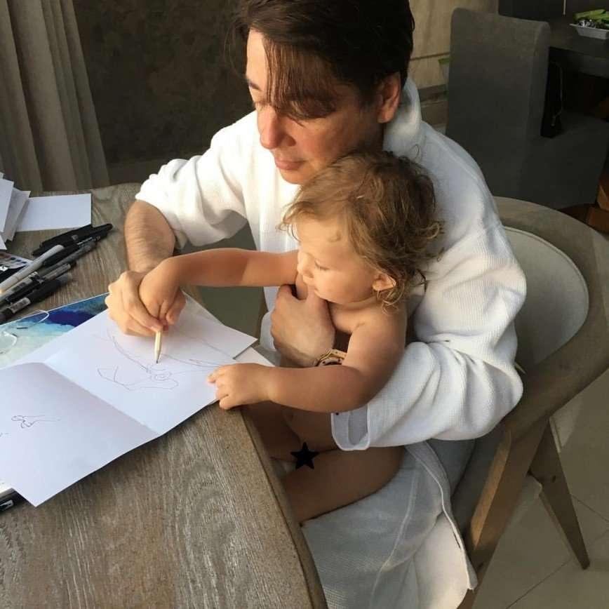 «Добро пожаловать в этот мир!»: Галина Юдашкина родила второго сына