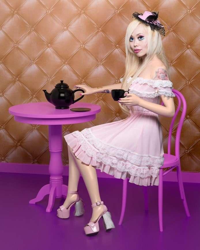 Американка потратила 35 тысяч долларов, чтобы стать похожей на Барби