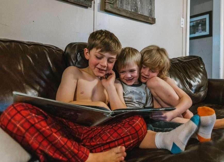 «Хаос и разрушения»: американка показала, как выглядит ее жизнь с тремя сыновьями