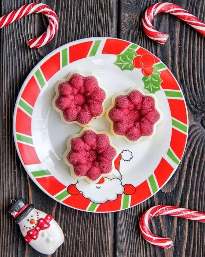 На десерт: панна котта с брусничным желе для новогоднего стола