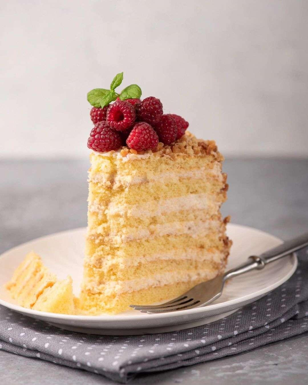 На замену шарлотке: нежнейший торт Апфельмусс, от которого все будут в восторге