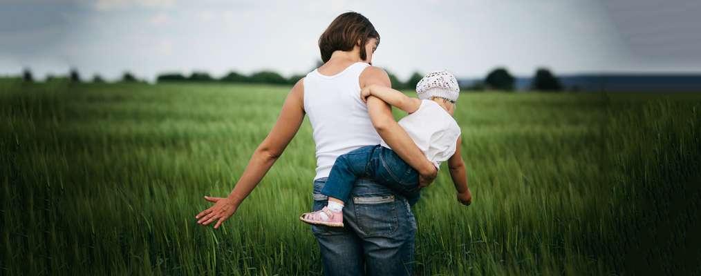 Як відчувати себе жінкою, залишаючись хорошою мамою?